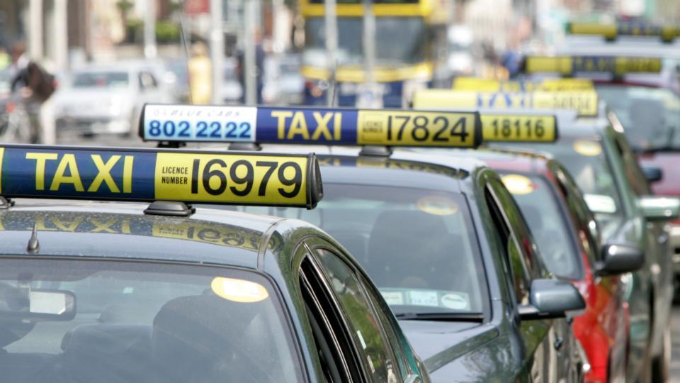 تاکسی در دوبلین - حمل و نقل عمومی در ایرلند