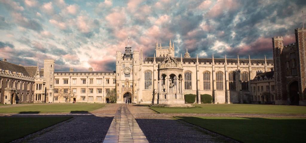 دانشکده هنر ایرلند - تحصیل در ایرلند