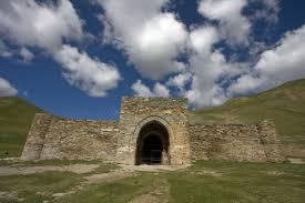 کاروانسرای تاش رباط - اماکن تاریخی قرقیزستان