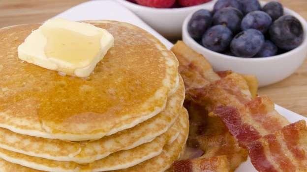 پنکیک دوغ - 10 غذای معروف و 10 غذای ممنوع در آمریکا