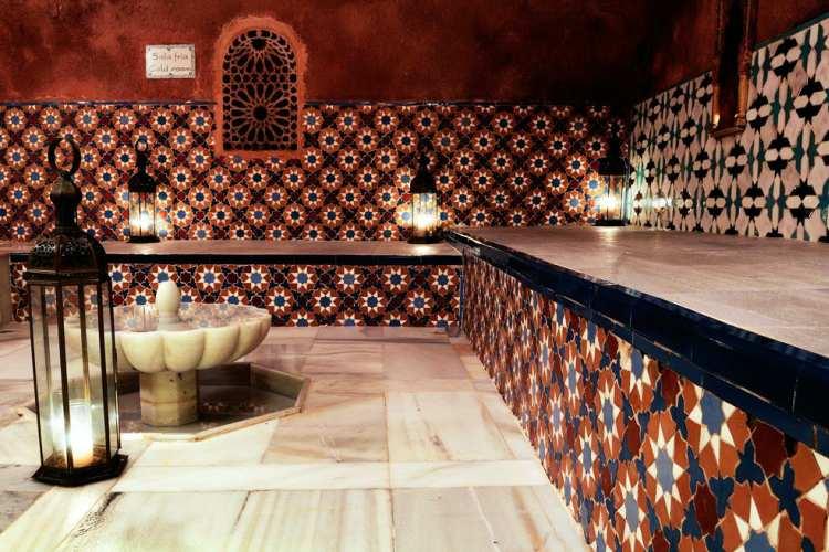 حمام های مدرن و به سبک حمام های قدیمی عربی - شهرهای اسپانیا