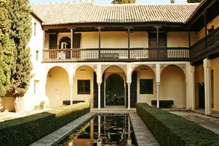 عمارت های با شکوه کاسا دل چاپاز - شهرهای اسپانیا