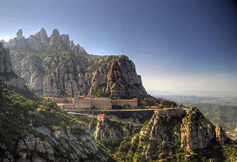قلعه موتسرات - شهرهای اسپانیا