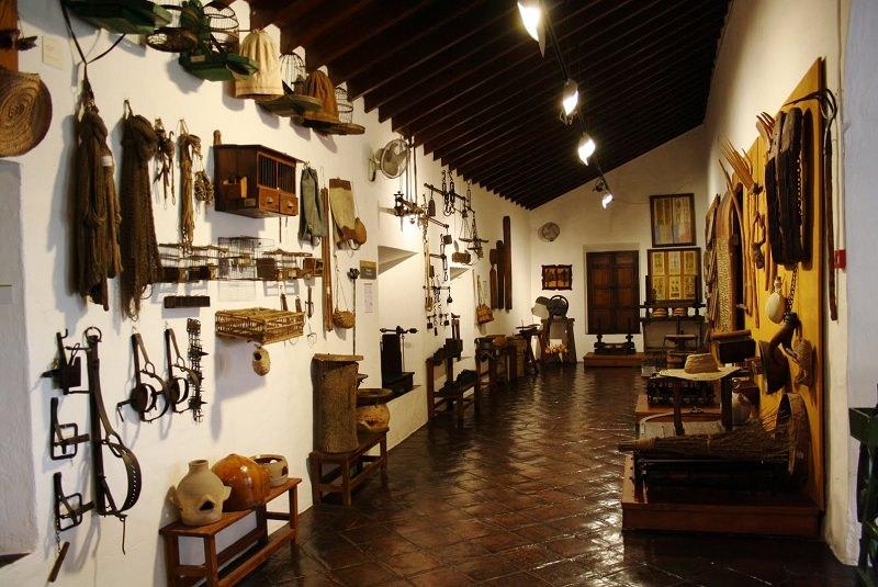 موزه هنرها و لباس مالاگا - شهرهای اسپانیا