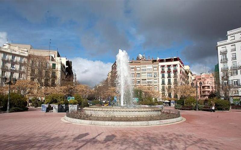 پلازا دِ اولاوید - شهرهای اسپانیا