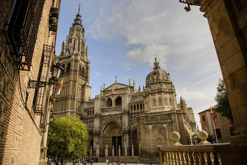 کلیساهای جامع گوتیک اسپانیایی - شهرهای اسپانیا