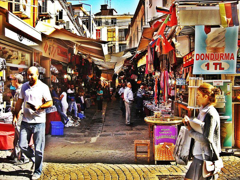 بازار کمرالتی ازمیر ترکیه