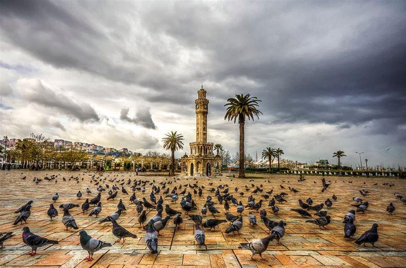 شهر ازمیر ترکیه میدان کوناک