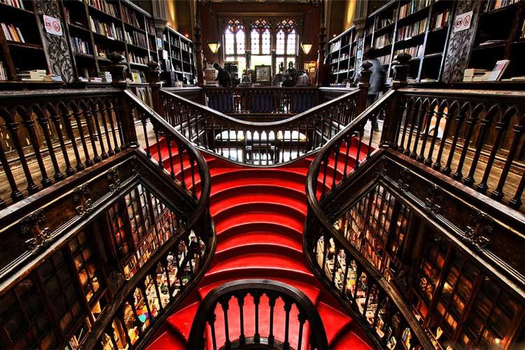 کتابخانهی للو و ارمائو 1 - شهر پورتو پرتغال