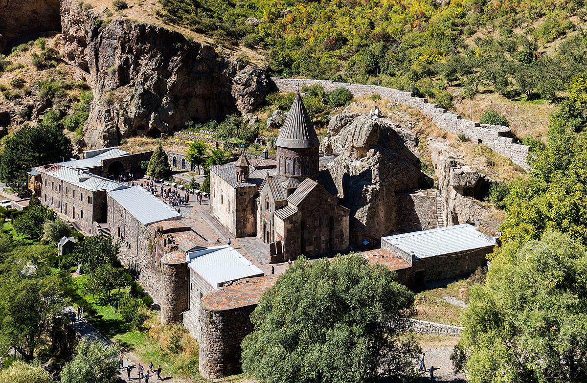 صومعه گغارد 1 1 - صومعه گغارد ایروان، ارمنستان