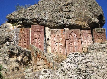 صومعه گغارد 4 1 - صومعه گغارد ایروان، ارمنستان