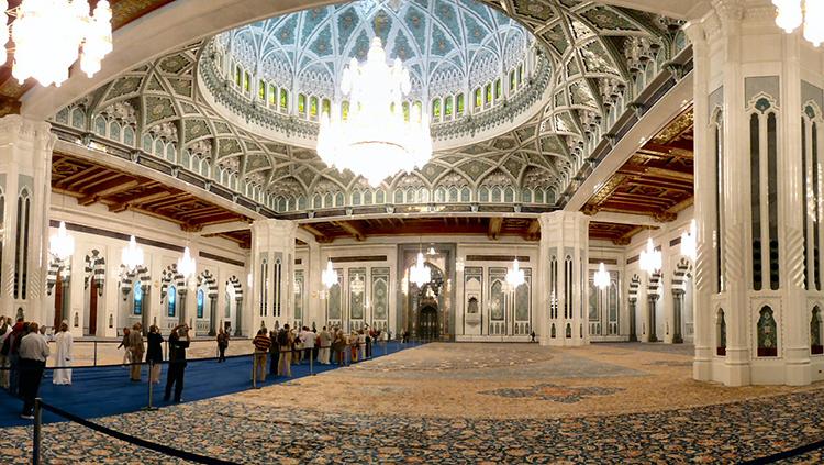 مسجد جامع سلطان قابوس مسقط 3 - مکان های دیدنی کشورعمان