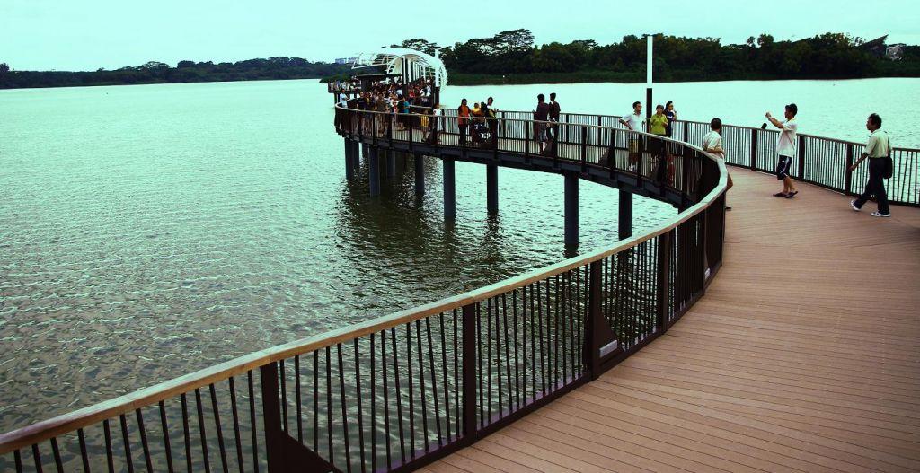 پارک دریاچه ای لوور سلتار