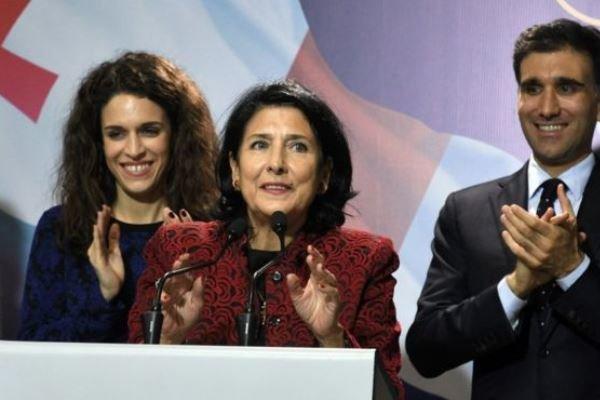 سوگند اولین رئیس جمهوری زن در گرجستان - سوگند اولین رئیس جمهوری زن در گرجستان