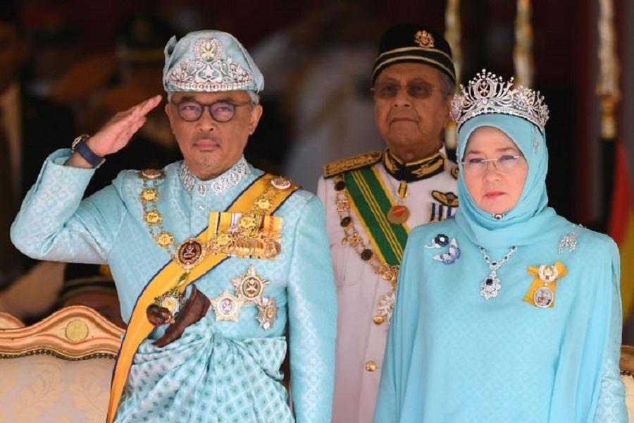 تانکو عبدالله سلطان - شانزدهمین پادشاه مالزی سوگند یاد کرد