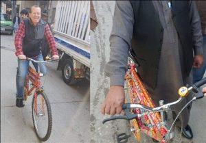 00000 300x209 - هنر کامیون آرائی روی دوچرخه سفیر آلمان در پاکستان