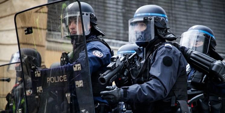 حمله پلیس فرانسه به معترضان - حمله پلیس فرانسه به معترضان پاریسی