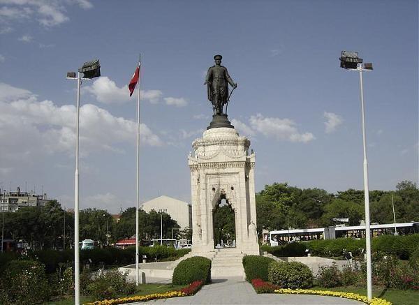 مجسمه آتاتورک قونیه 1 - مجسمه آتاتورک قونیه ترکیه