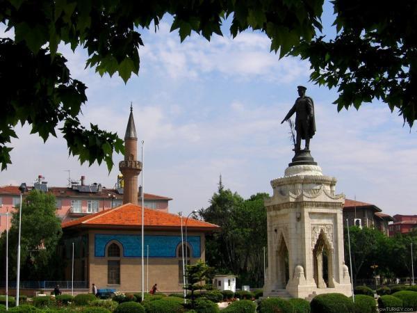 مجسمه آتاتورک قونیه ترکیه