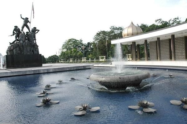بنای یادبود ملی کوالالامپور 3 - مراکز تفریحی مالزی (کاملترین به زبان فارسی)