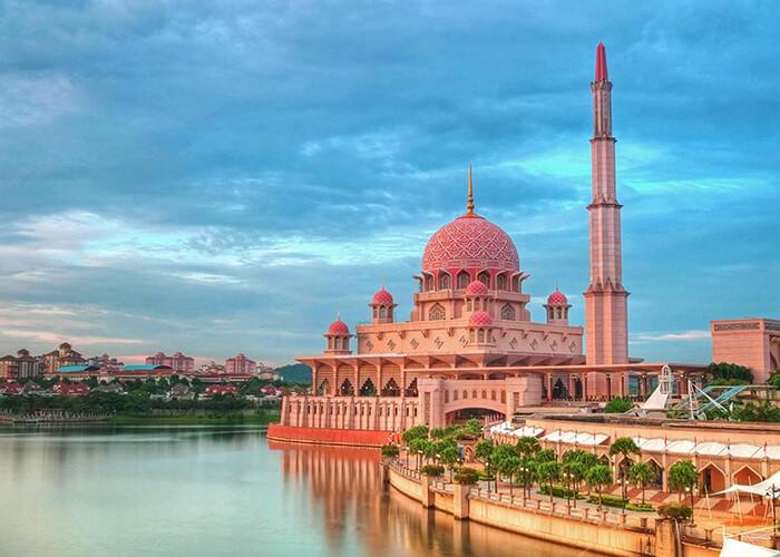 معرفی مسجد پوترا کوالالامپور