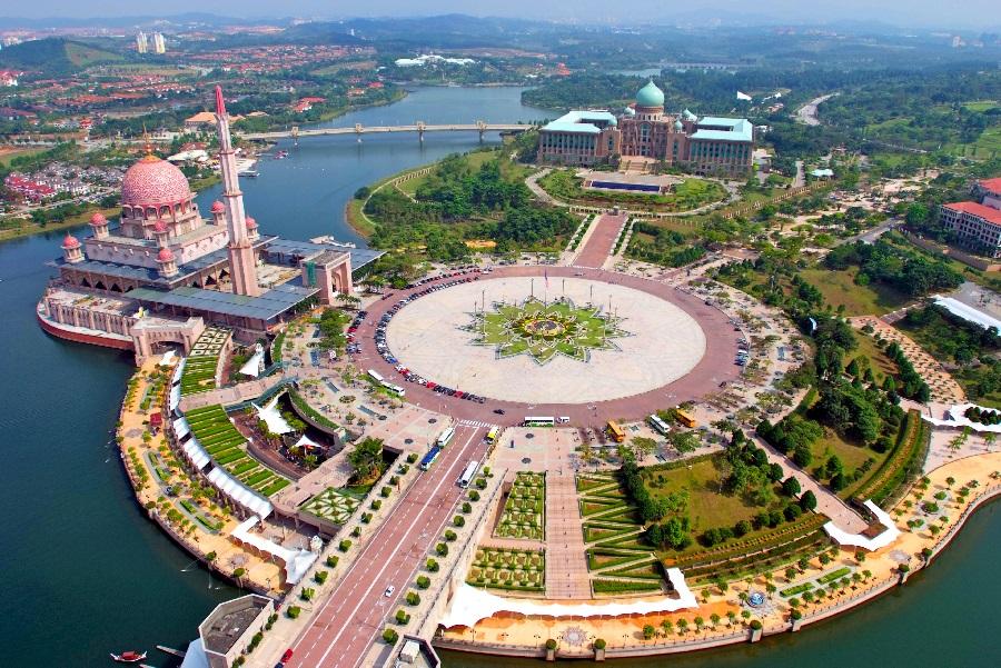 مسجد پوترا 4 - مراکز تفریحی مالزی (کاملترین به زبان فارسی)