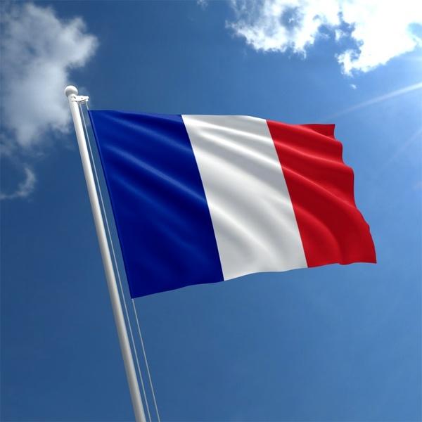 پرچم فرانسه - پاریس مصمم به باز ماندن کانالهای مالی با ایران است