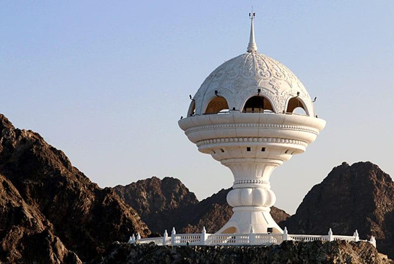 مجسمه کندور سوز عمان - مکان های دیدنی کشورعمان